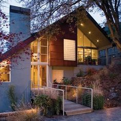 I know, I was just lamenting about how people use Pinterest as the next big marketing arena. But this house is pretty sweet. (Mark English Architects, house in San Fran)