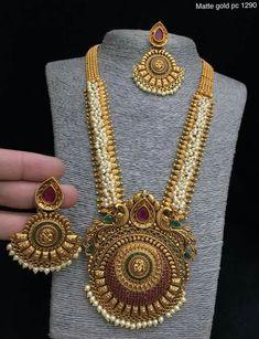 Gold Necklace Set For Wedding Jewellery Exchange Sudbury Ontario! Gold Earrings Designs, Gold Jewellery Design, Necklace Designs, Gold Jewelry, Maxi Collar, Antique Necklace, Antique Jewelry, Indian Jewelry, Ethnic Jewelry