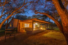 12 weekend breaks near Johannesburg for under - Getaway Magazine Self Catering Cottages, Weekend Breaks, Places To Visit, Cabin, Mansions, House Styles, Travel, Mansion Houses, Viajes