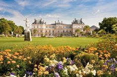 The Jardin du luxembourg is fit for a queen and one of the most beautiful places in paris Best Vacation Destinations, Best Vacations, Luxor, Hello France, Paris Itinerary, Luxembourg Gardens, Paris Ville, Parcs, Countries Of The World