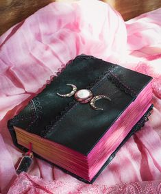 Grimoires, book of shadows, book of spells by Witchybooks Witch Aesthetic, Book Aesthetic, Wiccan, Witchcraft, Grimoire Book, Baby Witch, Cute School Supplies, Magic Book, Book Binding