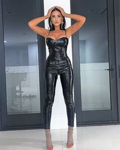 Sexy Outfits, Sexy Dresses, Nice Dresses, Fashion Outfits, Women's Fashion, Sexy Latex, Vinyl Leggings, Tight Leggings, Lederhosen Outfit