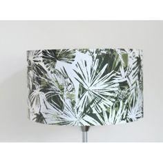 abat jour jungle - feuilles palmier tropicales - vert kaki - cylindre - cylindrique - rond - handmade - fait main - idée cadeau - lampshade | JourDePluieCreations