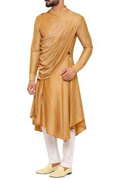 Buy Draped asymmetric hem kurta with pants by Amaare at Aza Fashions Indian Men Fashion, Mens Fashion Wear, Suit Fashion, Best Indian Wedding Dresses, Wedding Dress Men, Wedding Men, Sherwani For Men Wedding, Indian Groom Wear, Indian Attire