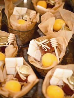 Favor Baskets Filled with Fresh Apricots, Honey and Local Cheddar Cheese | Eric Kelley Photography http://knot.ly/6490BKgWA | Pippin Hill Farm & Vineyards http://knot.ly/6491BKgW7 |