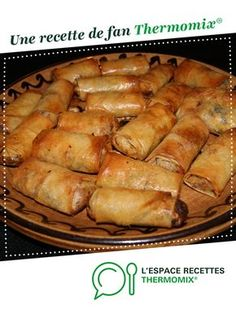 Chicken nems by Schotzilla. A fan recipe to find in the Starters category on www.espace-recett …, of Thermomix®. Crockpot Recipes For Two, Vegetarian Crockpot Recipes, Healthy Breakfast Recipes, Easy Dinner Recipes, Chicken Recipes, Snack Recipes, Cooking Recipes, Cooking Chef, Cooking Bread