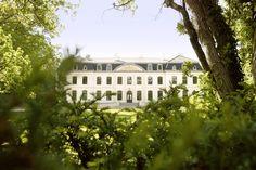 """Idyllisches Hideaway für den Wochenend-Trip gesucht? Unser Tipp (und es liegt sogar quasi um die Ecke!): das """"Weissenhaus Grand Village Resort & Spa"""" an der Ostsee! Nicht nur das Schloss ist traumhaft schön, es gibt noch viel mehr zu entdecken"""