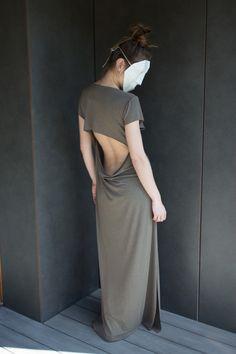 Długa sukienka z dekoltem na plecach  w Te Tu na DaWanda.com