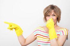 ***¿Cómo Quitar Malos Olores en Invierno?*** La estación fría, el encierro y la calefacción nos dejan con una pregunta en la mente: ¿cómo quitar los malos olores en invierno?. Aprende algunos buenos consejos en esta nota....SIGUE LEYENDO EN... http://comohacerpara.com/quitar-malos-olores-en-invierno_11076h.html