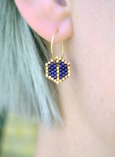 Earrings - Tiny Leaf - Purple and Gold - - Earrings – Tiny Leaf – Purple and Gold MIYUKI Ohrringe Winzige Blätter Lila und Gold Seed Bead Jewelry, Bead Jewellery, Seed Bead Earrings, Leaf Earrings, Diy Earrings, Beaded Jewelry, Handmade Jewelry, Gold Earrings, Gold Jewelry