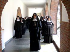 Benediktinerinnen der Abtei Varensell in Rietberg © www.abtei-varensell.de