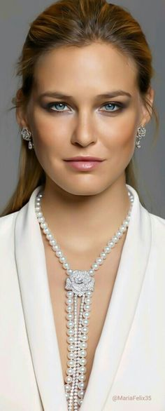 SHE.ULTIMATE FASHIONISTA! Piaget Rose Diamond n Pearls Necklace repin BellaDonna
