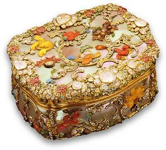 Berlin c.1765 Materials: mother-of-pearl, gold, diamonds, rubies  damn, that's pretty