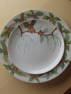 Charger and dinner plate for Christmas, service for ten..by judie2hips@aol.com