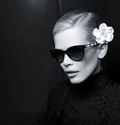 db2abd2cad0d38 Lunettes chanel claudia schiffer Mode Femme, Camélia Chanel, Haute Couture,  Photographie, Lunettes