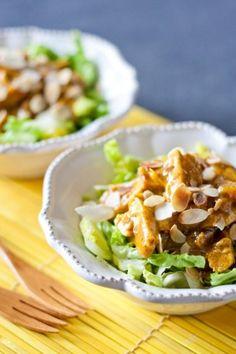Blancs de poulet - Laitue iceberg - Curry - Amandes effilées - Raisins blonds - Pomme