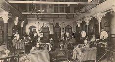 فندق قصر دجلة TIGIRIS PALACE HOTEL،ذكرته أغاثا كريستي في قصتها (جاءوا إلى بغداد) ،كان أحد الفنادق الفاخرة في بغداد