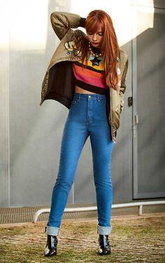 Jeans: uma peça da moda, três jeitos de usar Glamour Julho