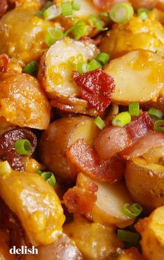 Loaded Slow-Cooker Potatoes Is The Side That Saves You Valuable Oven Space