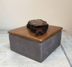#claybox with wood&bark cover
