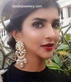Lakshmi Manchu in Polki Diamond Earrings - Indian Jewellery Designs Unique Earrings, Gold Hoop Earrings, Bridal Earrings, Beautiful Earrings, Earrings Photo, Bridal Jewellery, Real Gold Jewelry, Gold Jewelry Simple, Vintage Jewelry