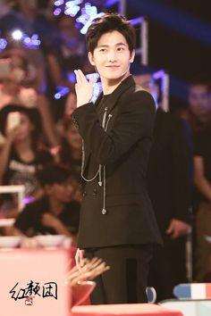 Yang Wei, Yang Yang Actor, Wei Wei, Korean Tv Shows, Korean Actors, Kdrama, Handsome Asian Men, Asian Celebrities, Celebs