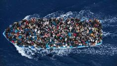 The making of the migrant crisis. A boat carrying migrants in the Mediterranean, February 12, 2015.  | Foto: Reuters