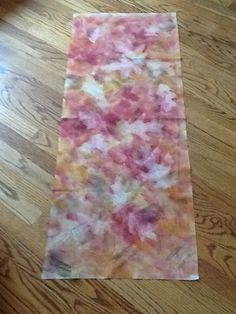 Susan's fabric, 2nd round, 3 shades of dye na flow paints, oak leaves and sun dried by Sandra