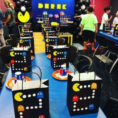 53 Trendy party decoracion ideas for men pac man Birthday Decorations For Men, Birthday Party Games For Kids, 6th Birthday Parties, Man Birthday, Birthday Ideas, Festa Do Pac Man, Ideas Decoracion Cumpleaños, Pac Man Party, Video Game Party