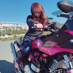 750ターボ ずっと欲しくて いつかはターボ❗️ って言ってたパパ 案外早くにgetしちゃったよね〜 いいなーアタシも欲しいものgetしたいな〜 ん? でも、アタシの欲しい物ってなんだ⁉️笑 #gpz#gpz400f #gpz750 #750ターボ#750turbo #moto #motorbike #kawasaki #バイク#バイク好き #バイク女子 #バイク夫婦 #カワサキ#女カワサキ #女性ライダー #バイク#ツーリング#ツーリング好き #バイクのある風景 #バイクのある生活 #湘南#江ノ島 #鎌倉高校前 #ツーリング日和 #パシフィックドライブイン #カスタム#kastane #カスタムバイク#FIX #バイク乗りたい#夢は叶う