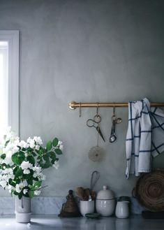 Lovely kitchen by blogger Anna Kubel – via Lovely Life