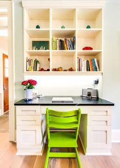 home office pequeno integrado sala