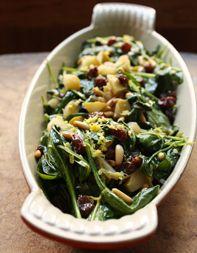 Spanish Spinach salad - Espinacas a la Catalana (Catalan Spinach ...