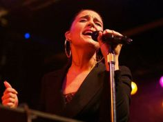 """JESSIE WARE - """"Velvety smooth vocals are but one of Ware's strengths as a live musician; the other lies in her interaction with the crowd. Despite writing some seriously soulful — some have said """"mature"""" — lyrics, Ware exudes a lovably candid and magnetic personality whilst on stage."""""""
