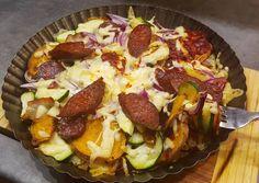 Édesburgonyás pizza, amitől könnybe is lábadhat a szemed recept foto Taco Pizza, Hawaiian Pizza, Bacon, Food, Red Peppers, Essen, Yemek, Pork Belly, Meals