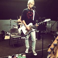 R5/Ross Lynch