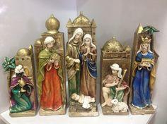 Lindo Presépio em gesso, pintado à mão! Contem 5 módulos que podem ser arranjados como você desejar!    Perfeito para sua decoração de Natal!      www.elo7.com.br/decorachados www.facebook.com/decorachados