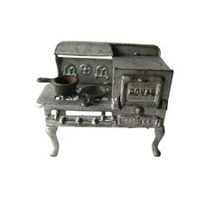 Royal Cast Iron Stove With Opening Oven and Two Cast by openslate