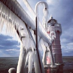 Thank you, Instagram friend @ulyanaoleynikova for sharing this gorgeous shot of winter in South Haven, #PureMichigan! #lighthouse #LakeMichigan #greatlakes