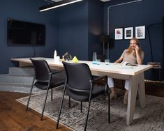 The perfect partner for meetings: to-sync meet comfort. Ready for a productive brainstorming session! Office Interiors, Interior Office, Chair Design, Furniture Design, Online Advertising, Advertising Design, Office Furniture, Meet, Munich