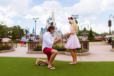 25 cuteness overload from disney proposal ideas 15 - Beauty of Wedding Wedding Proposals, Marriage Proposals, Wedding Vows, Disney Engagement, Engagement Couple, Engagement Photos, Engagement Session, Proposal Photos, Proposal Ideas