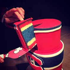 Go habs go cake! For hockey fans Hockey Birthday Cake, Hockey Birthday Parties, Birthday Cake For Mom, Hockey Party, Birthday Cakes, Montreal Canadiens, Cupcakes, Cupcake Cakes, Birthday Breakfast For Husband
