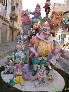 #fallas #spain Local Festivals, Princess Peach, Spain, Traditional, Fictional Characters, Art, Art Background, Sevilla Spain, Kunst