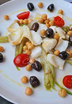 Insalata di baccalà, puntarelle, olivette e ceci / Cod salad, chicory, olives and chickpeas