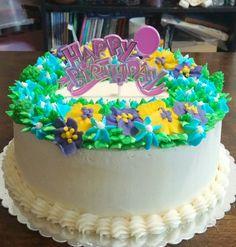 Floral Wreath Birthday Cake (front view) #dessert #maris_sweet_treats #buttercreamflowers #birthday #birthdaycake #cakestyle_ #cakestagram #cupcakesandcardio #gretchensbakery #howtocakeit #theicingartist #theartoffrosting #mycupcakeaddiction #rosiesdessertspot #rosannapansino #cakesbychoppa #woodlandbakeryblog #wiltoncakes