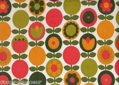 Vintage fabric and haberdashery: Cute apples and flowers fabric Retro Fabric, Vintage Fabrics, Vintage Colors, Vintage Patterns, Retro Flowers, Vintage Flowers, Fabric Wallpaper, Pattern Wallpaper, Retro Pattern