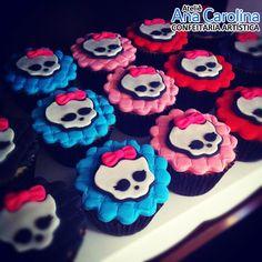 Cupcake Decorado - Monster High