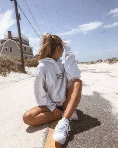 Cute Instagram Pictures, Cute Poses For Pictures, Insta Pictures, Instagram Pose, Poses For Photos, Picture Poses, Girl Photos, Picture Ideas For Instagram, Posing Ideas