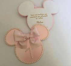 How about running away from black and pink and betting on a new color palette for the theme Mickey E Minnie Mouse, Minnie Mouse 1st Birthday, Minnie Mouse Baby Shower, Mickey Party, Baby Birthday, 3rd Birthday Parties, Birthday Party Decorations, Decoration Minnie, Mouse Parties