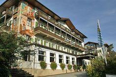 Hotel Kaiserin Elisabeth Feldafing sul lago Strnbergsee dove l'imperatrice risiedeva quando andava a trovare i propri genitori